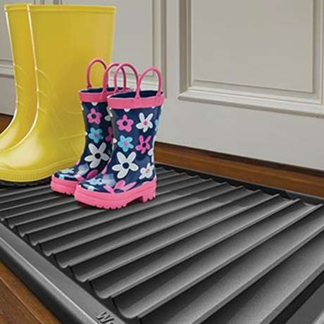 BOOT TRAY FROM WEATHERTECH®